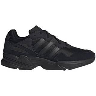 Nízke tenisky adidas  YUNG96