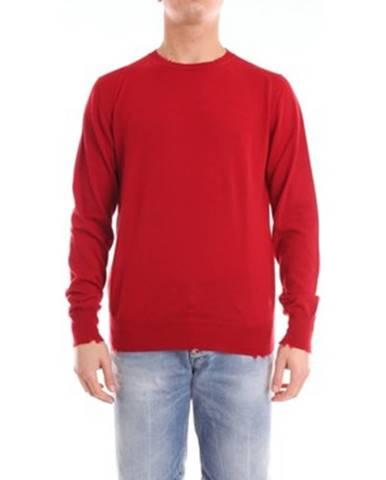 Červený sveter Department Five