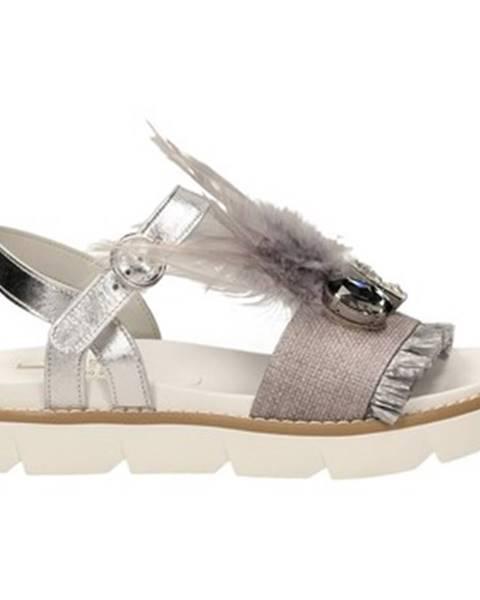 Strieborné sandále Jeannot