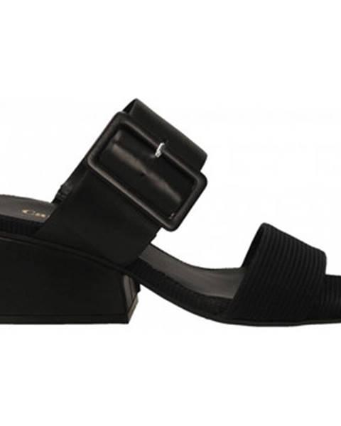 Čierne sandále Carmens Padova