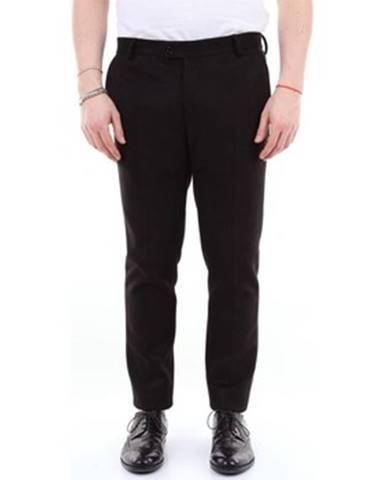 Čierny oblek Daniele Alessandrini