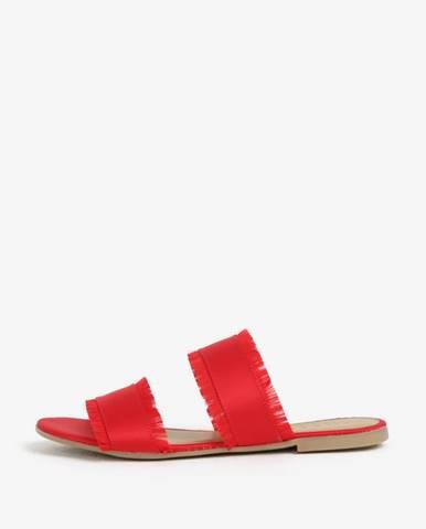 Červené papuče Pieces